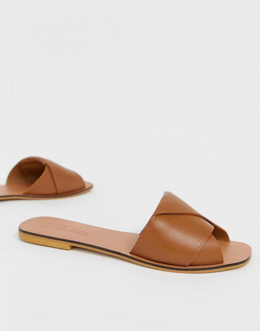 1ac974c41d9eb Lyst - ASOS Favoured Leather Flat Sandals in Brown