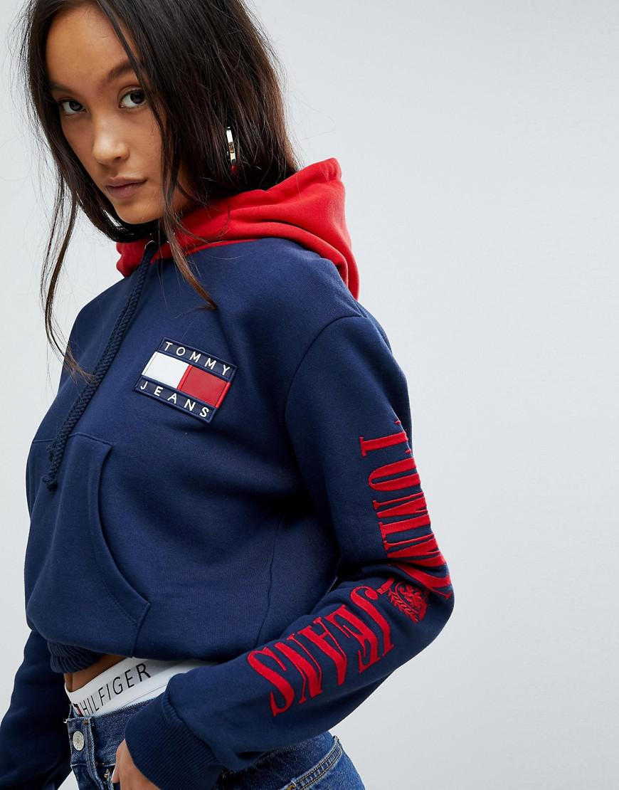 lyst tommy hilfiger tommy jeans 90s capsule contrast crop hoodie in blue. Black Bedroom Furniture Sets. Home Design Ideas