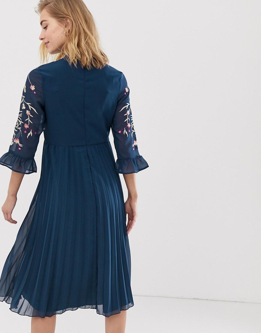 e654b014b4 ASOS Asos Design Maternity Embroidered Pleated Midi Dress With Fluted  Sleeve in Blue - Lyst