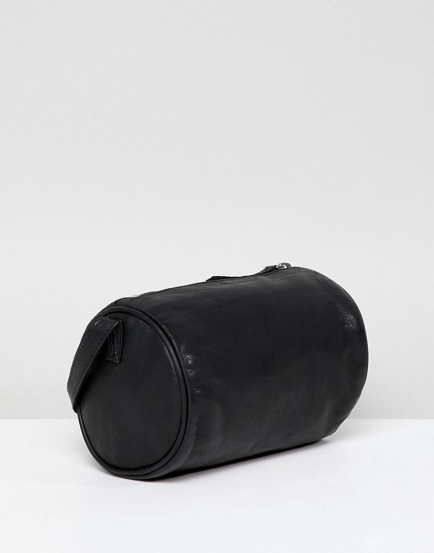 Coloris Noir Lyst Cuir En Bandoulire Sac Forme Asos Cylindrique dxrCBeo