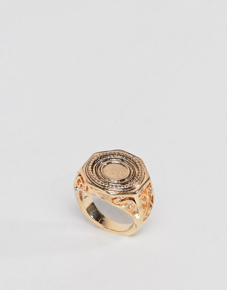 Asos DESIGN Engraved Coin Sovereign Ring - Gold UheRqDiX