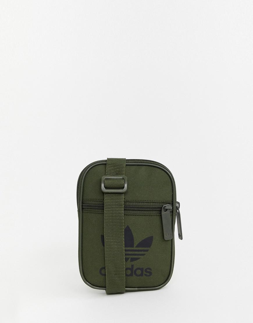 adidas Originals Flight Bag In Khaki in Green for Men - Lyst 5e595b25a310d