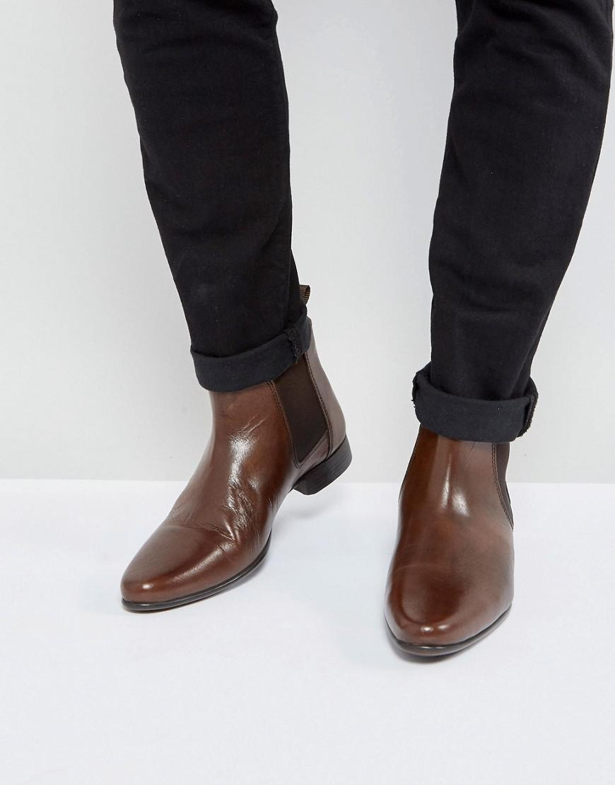 ASOS Chelsea Boots in Leather With Back Pull TM3V42