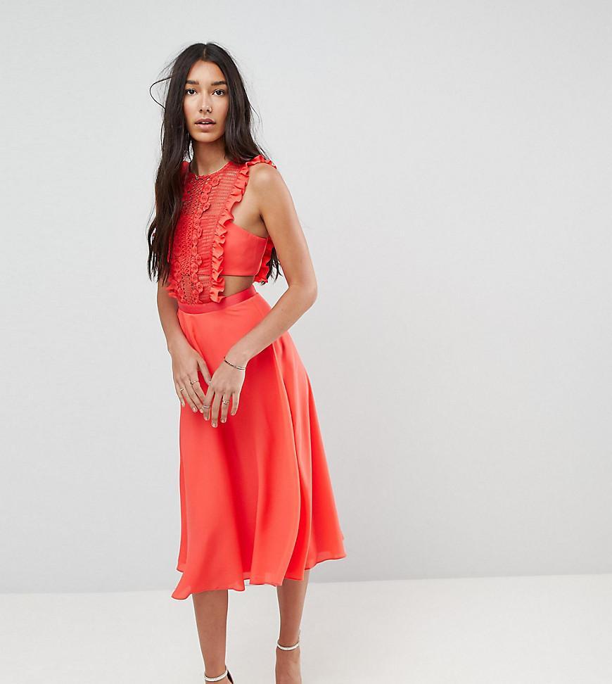 e0d2983b673 Robe chasuble mi-longue plisse en dentelle ASOS en coloris Rouge - Lyst