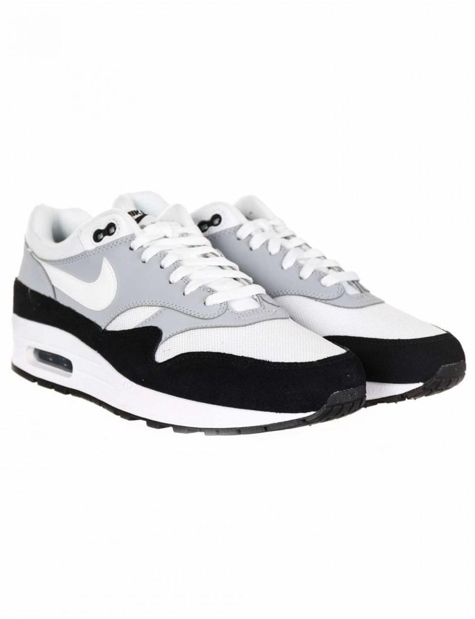 super popular 8d826 674ab Lyst - Nike Air Max 1 Trainers in Black for Men
