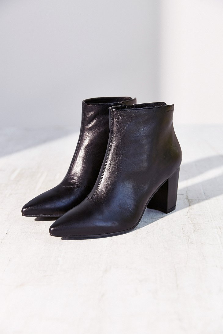 vagabond saida leather ankle boot in black lyst