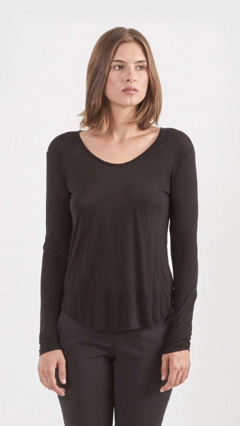 Lyst l 39 agence long sleeve scoop neck t shirt in black for Scoop neck long sleeve shirt