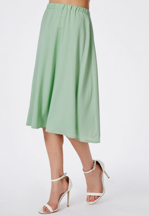 missguided mint crepe midi skirt in green lyst
