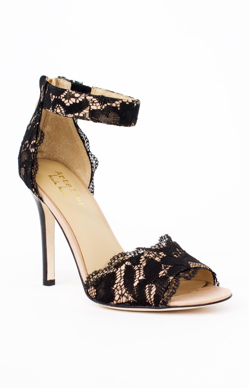 Nicole Miller Stephanie Peep Toe Heeled Sandal nznoM