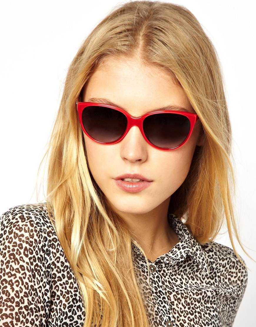 b44dcbb8543 Lyst - Dolce   Gabbana Dolce and Gabbana Cateye Logo Sunglasses in Red