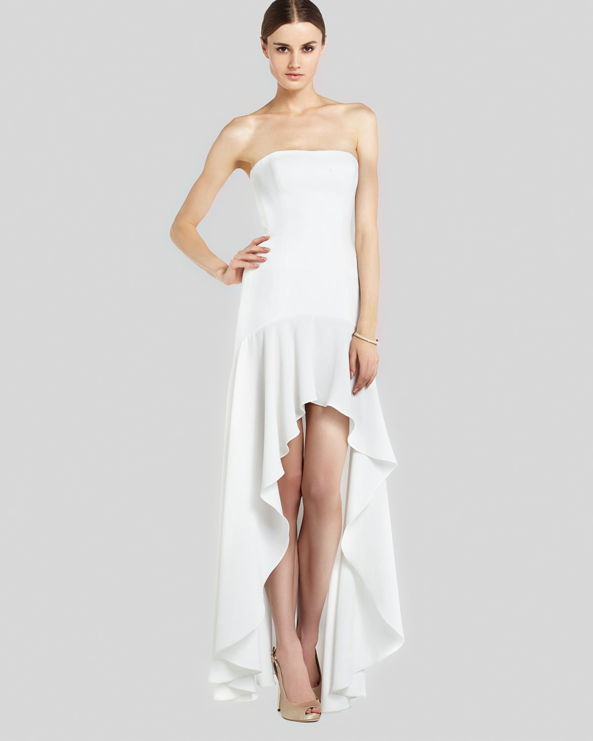 White hi low hem dress.