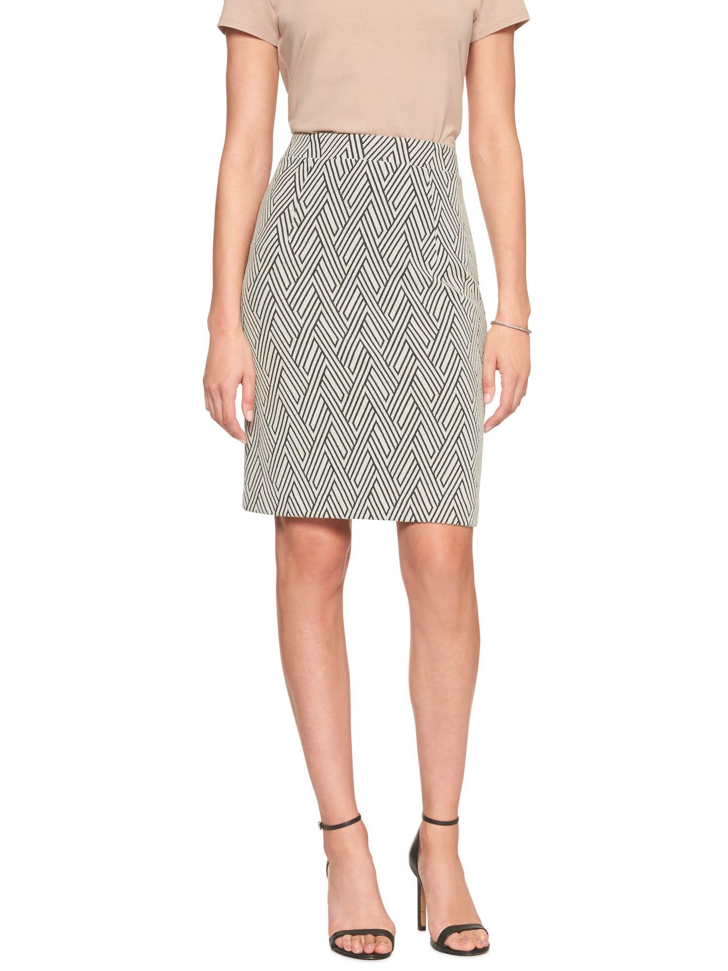 4ca98f8f77 Banana Republic Factory Geo Jacquard Knit Pencil Skirt in Black - Lyst