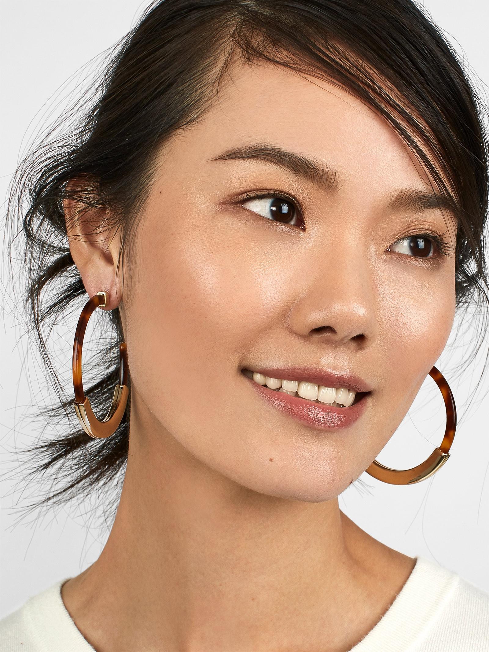 BaubleBar Tassiana Resin Hoop Earrings 5BYb7