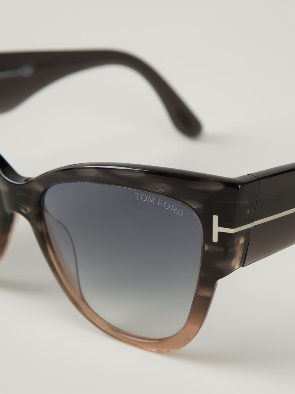 0e77e1717fe Gallery. Previously sold at  Farfetch · Women s Cat Eye Sunglasses Women s Tom  Ford ...