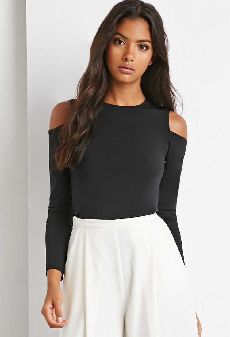 Yigal Azrouel Cut-Out Shoulder Top ($) liked on Polyvore featuring tops, black, cut out shoulder tops, short sleeve tops, cut shoulder top, cutout shoulder top and cold shoulder tops Find this Pin and more on Creating style by Yelgari.