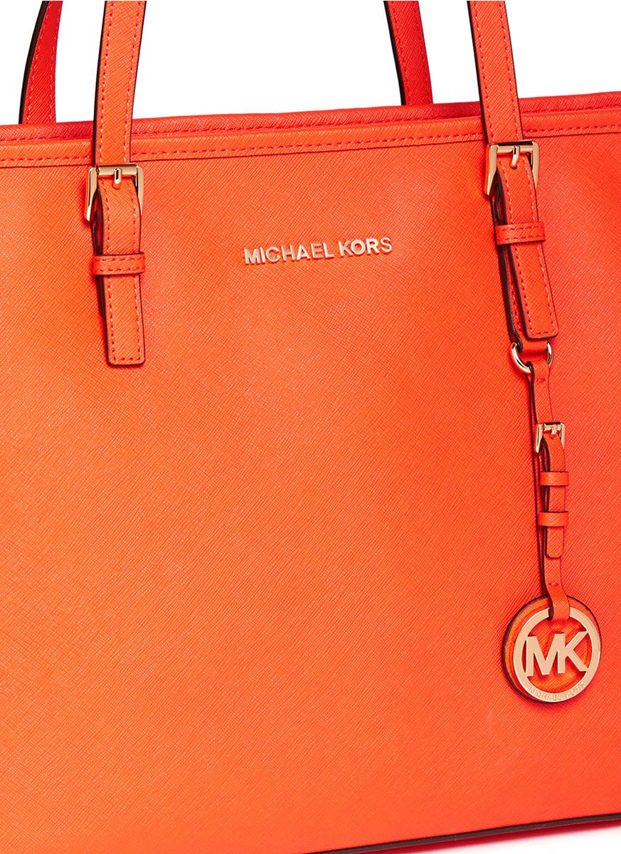 9ed13bd1bf29 Lyst - Michael Kors  jet Set Travel  Saffiano Leather Top Zip Tote ...