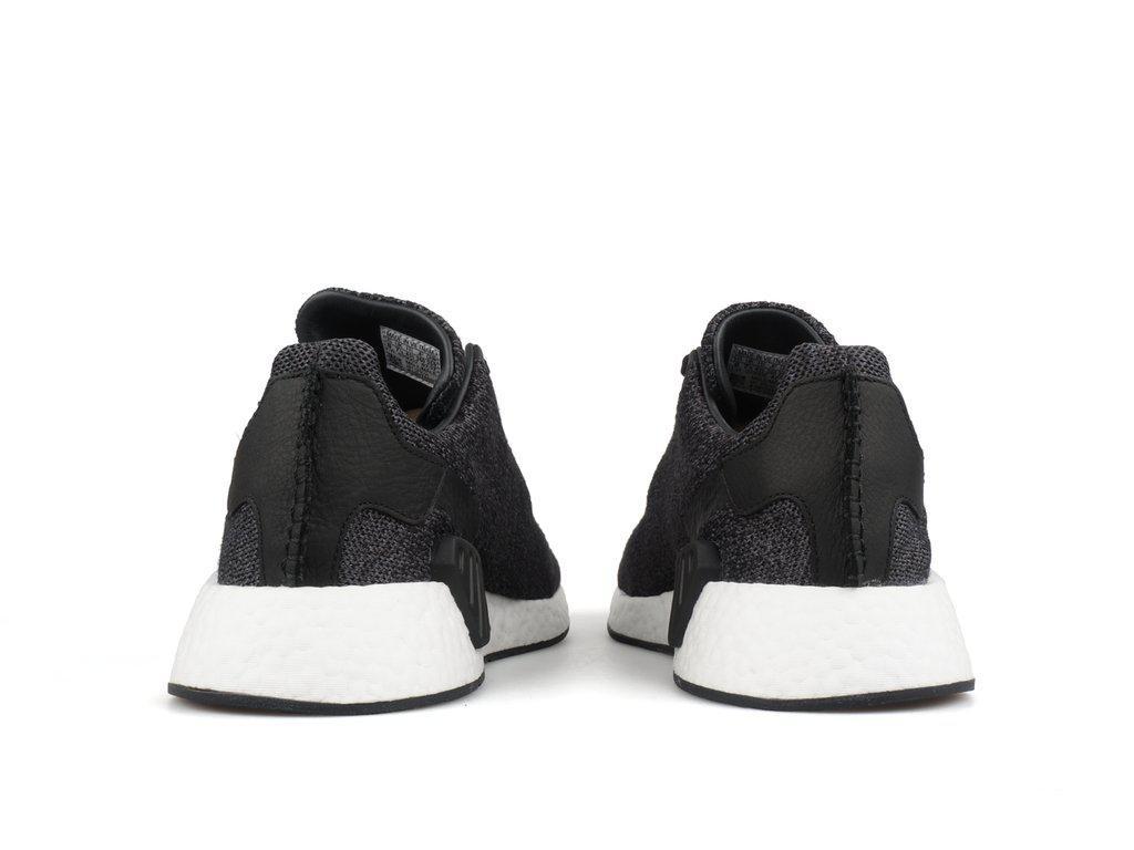 lyst adidas originali x ali   corna nmd r2 pk in nero per gli uomini.