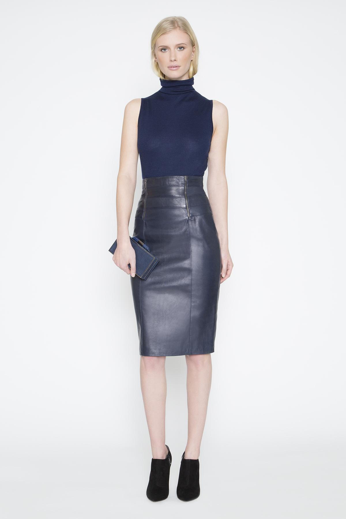 amanda wakeley pfeiffer leather pencil skirt in blue lyst