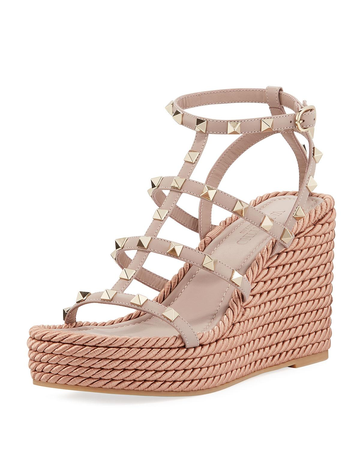 7d466fc51 Valentino Rockstud Caged Wedge Sandals in Natural - Lyst