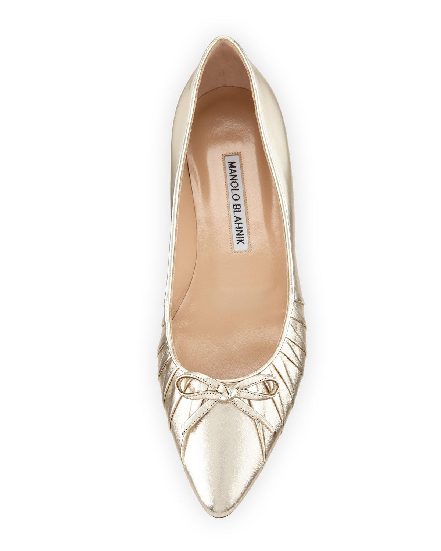 3503a1cc3ba0 Lyst - Manolo Blahnik Pleata Point-toe Ballerina Flat in Metallic