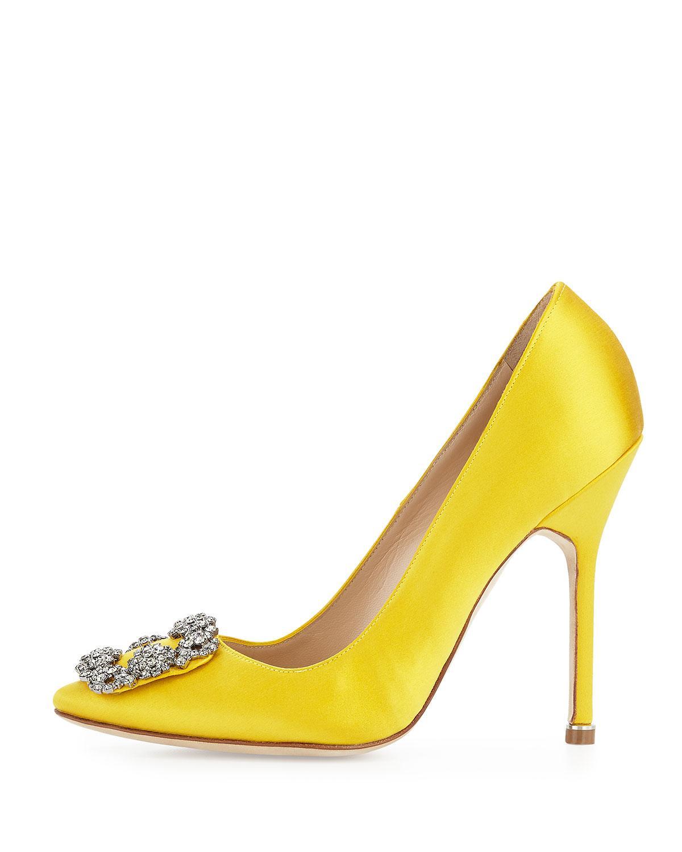 7d62ef92cf2 Lyst - Manolo Blahnik Hangisi Satin Crystal-toe Pump in Yellow