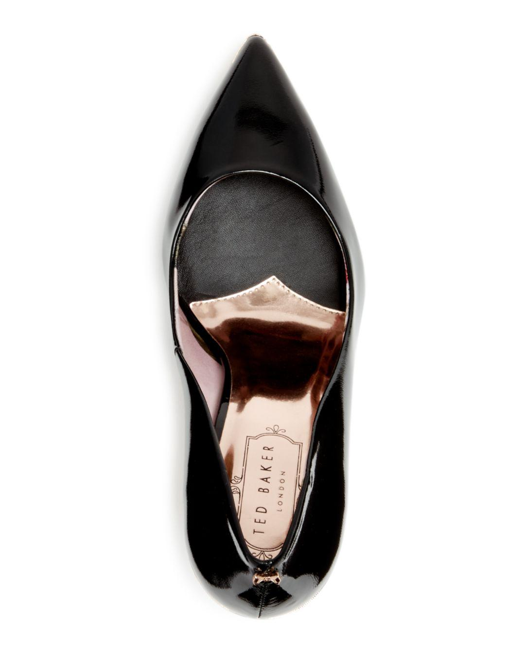 1c4514c407f75d Gallery. Previously sold at  Bloomingdale s · Women s Pointed Toe Pumps ...
