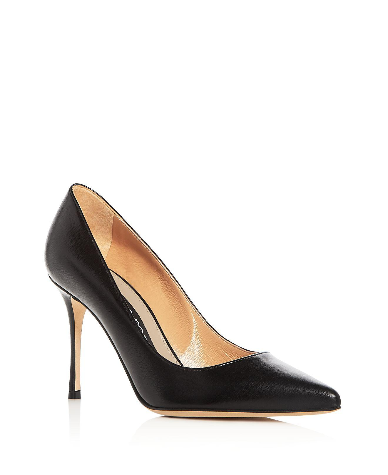 Sergio Rossi. Black Women's Godiva Leather Pointed Toe Pumps