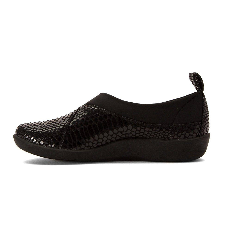 aaca88e6801 Lyst - Clarks Womens Sillian Greer Closed Toe Loafers in Black
