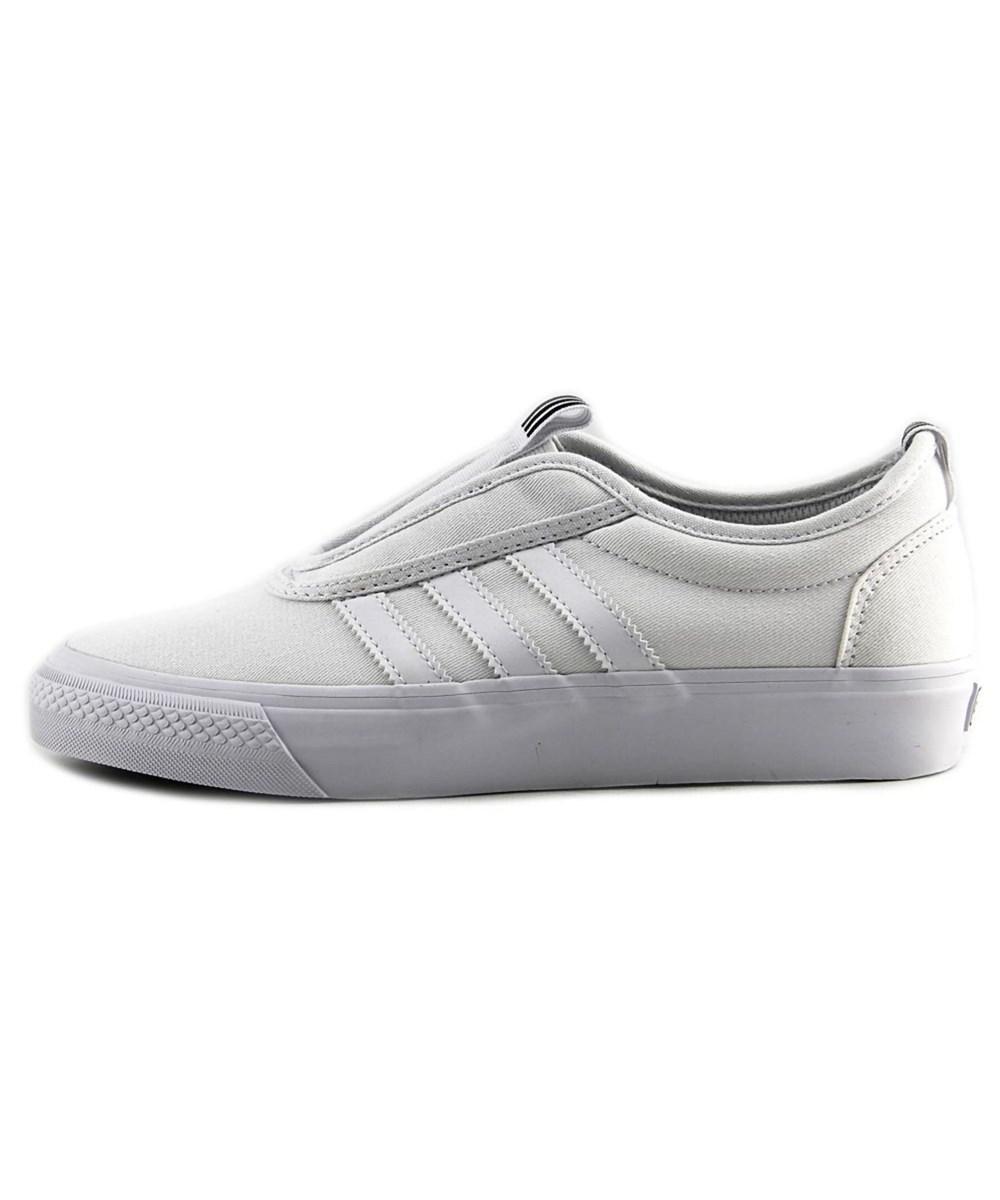 lyst adidas dga - kung fu della gioventù round la tela bianca pattinare