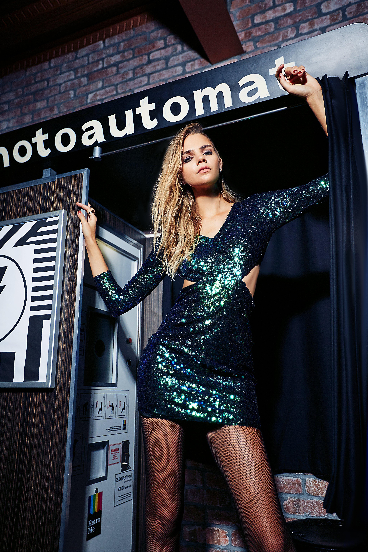 bfedb53f Boohoo Boutique Ava Metallic Sequin Bodycon Dress in Green - Lyst