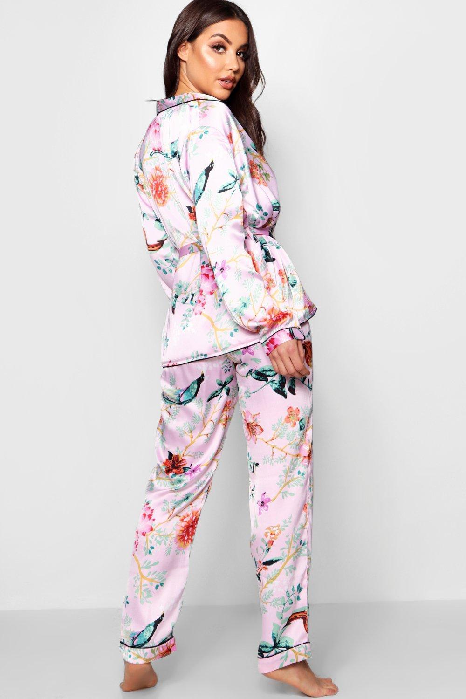 5fb35658fcf Boohoo Oriental Floral Wrap Front Belted Pj Set in Pink - Lyst