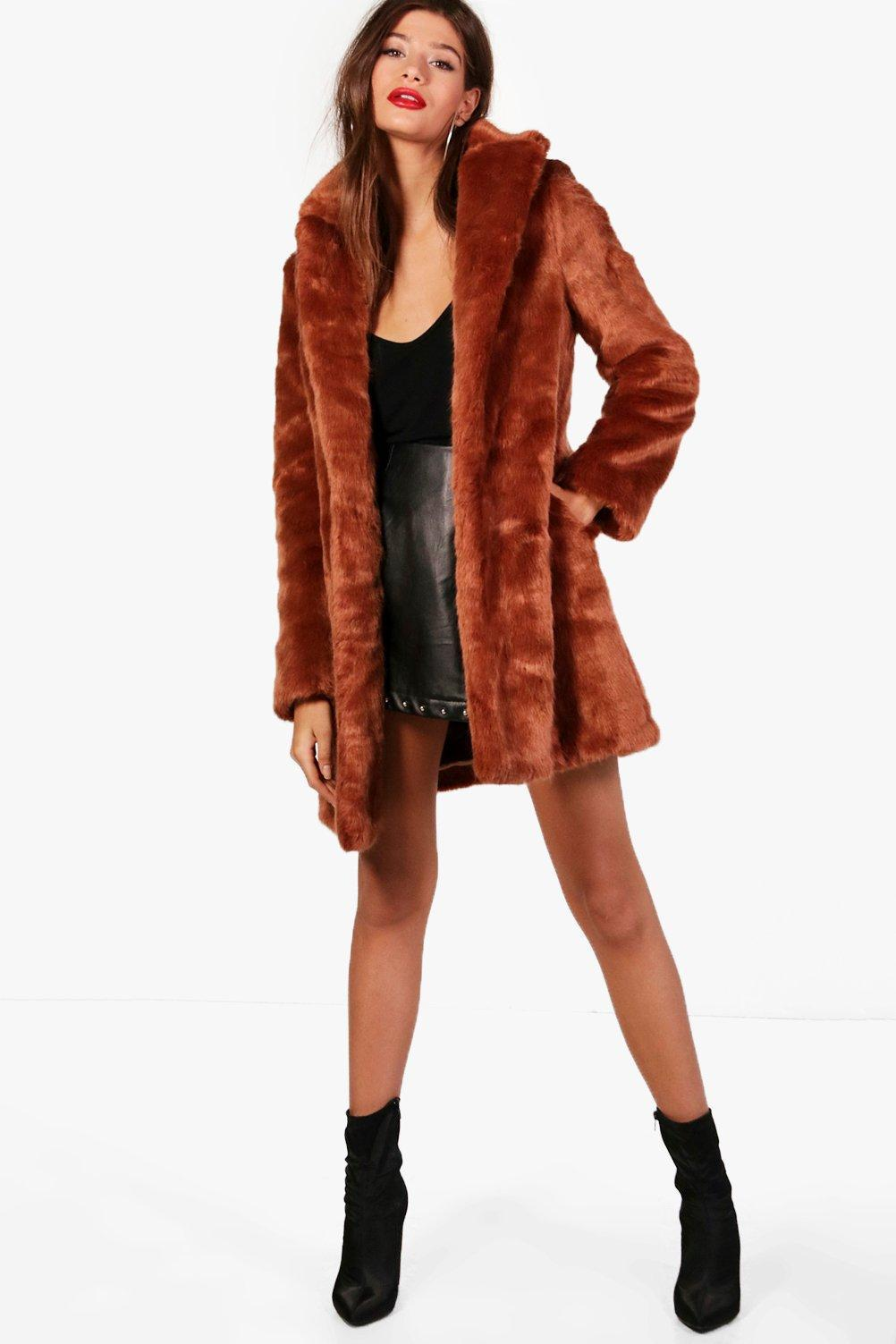 749946e4b08d Boohoo Boutique Elsie Rever Collar Faux Fur Coat in Brown - Lyst