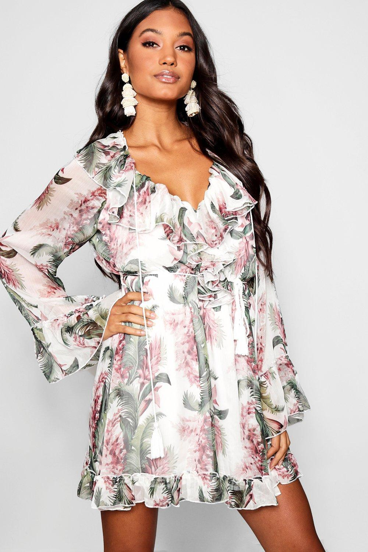 759bf0fdb494 Boohoo. Women's Floral Print Flared Sleeve Frill Skater Dress