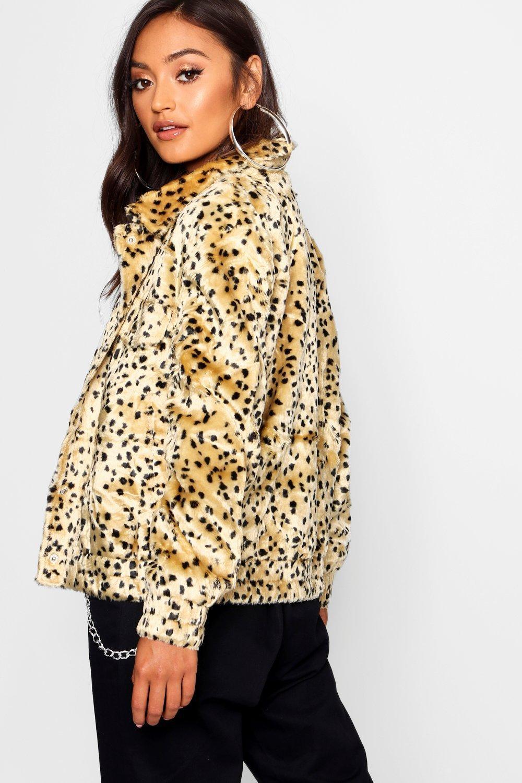 63776e9ed7ed Boohoo Petite Leopard Print Faux Fur Trucker in Brown - Save 29% - Lyst