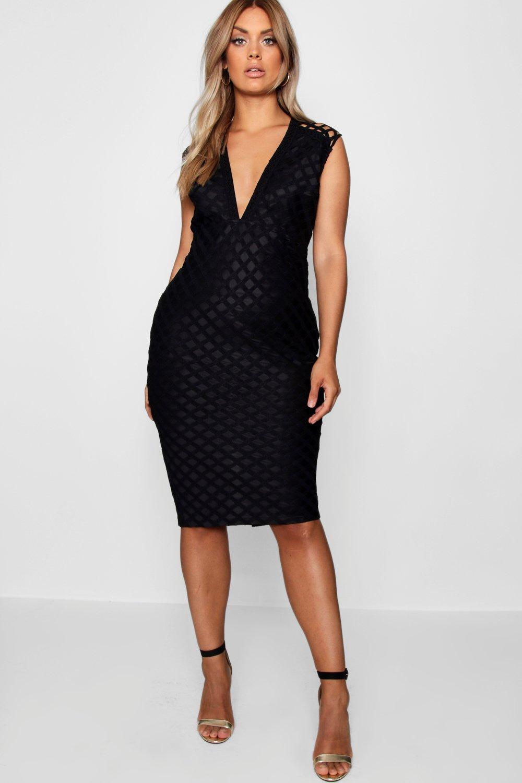 Boohoo Plus Lace Plunge Midi Dress in Black - Lyst 1bd1104ce