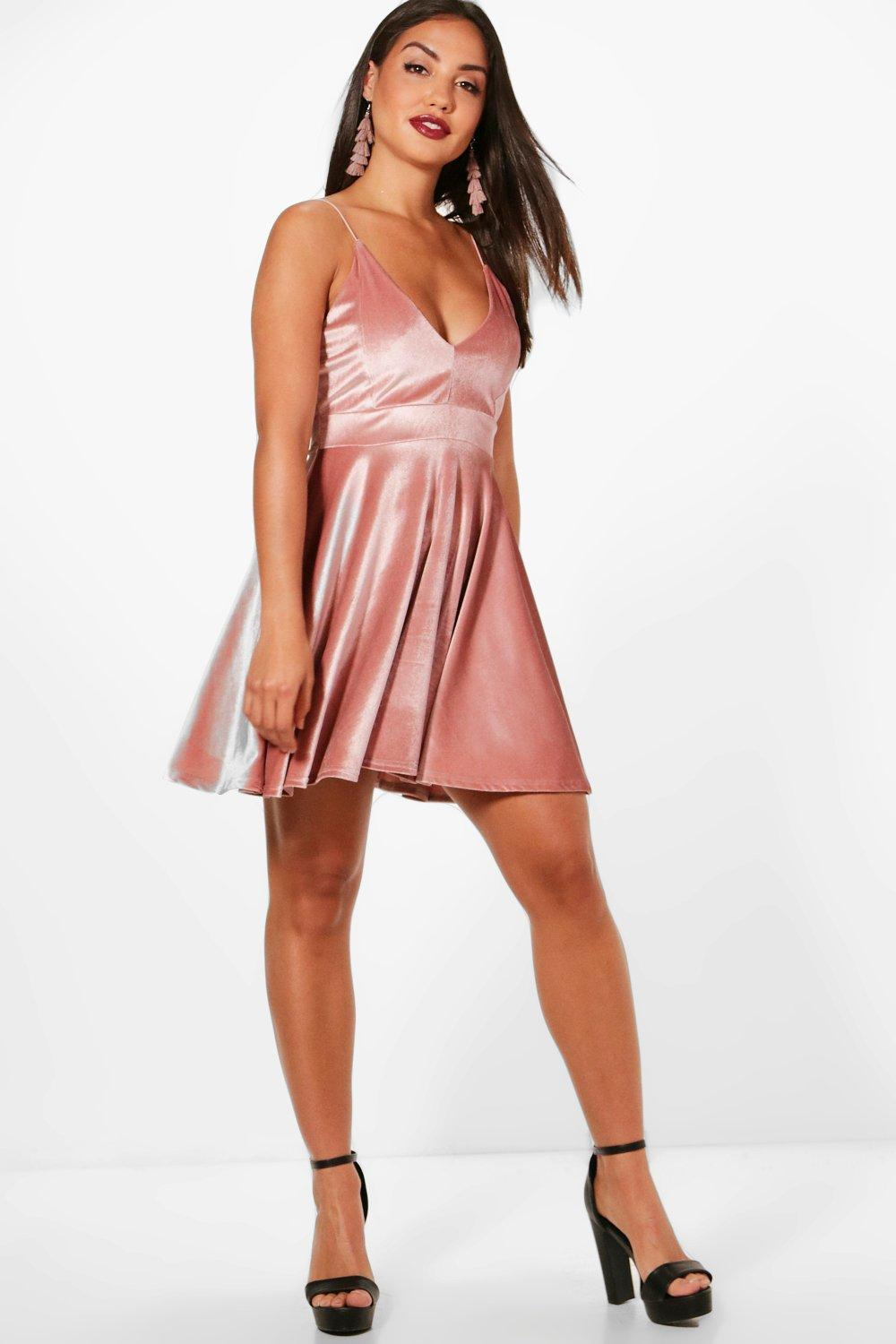 Gallery. Previously sold at  Boohoo · Women s Velvet Dresses ... 2633d1684