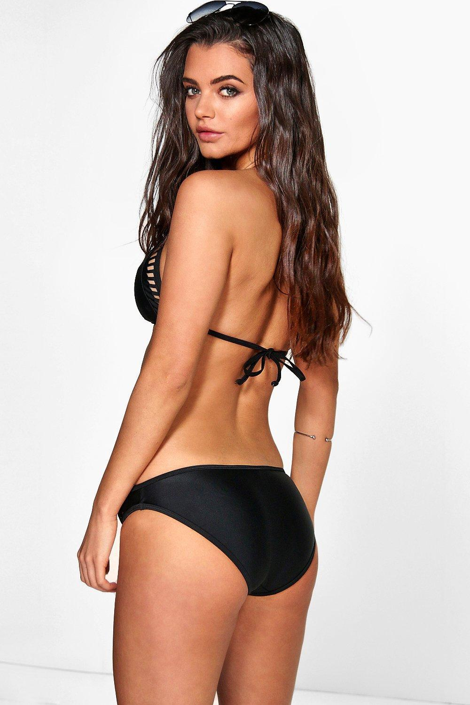 ad4e75508b Boohoo Laser Cut Triangle Bikini in Black - Lyst