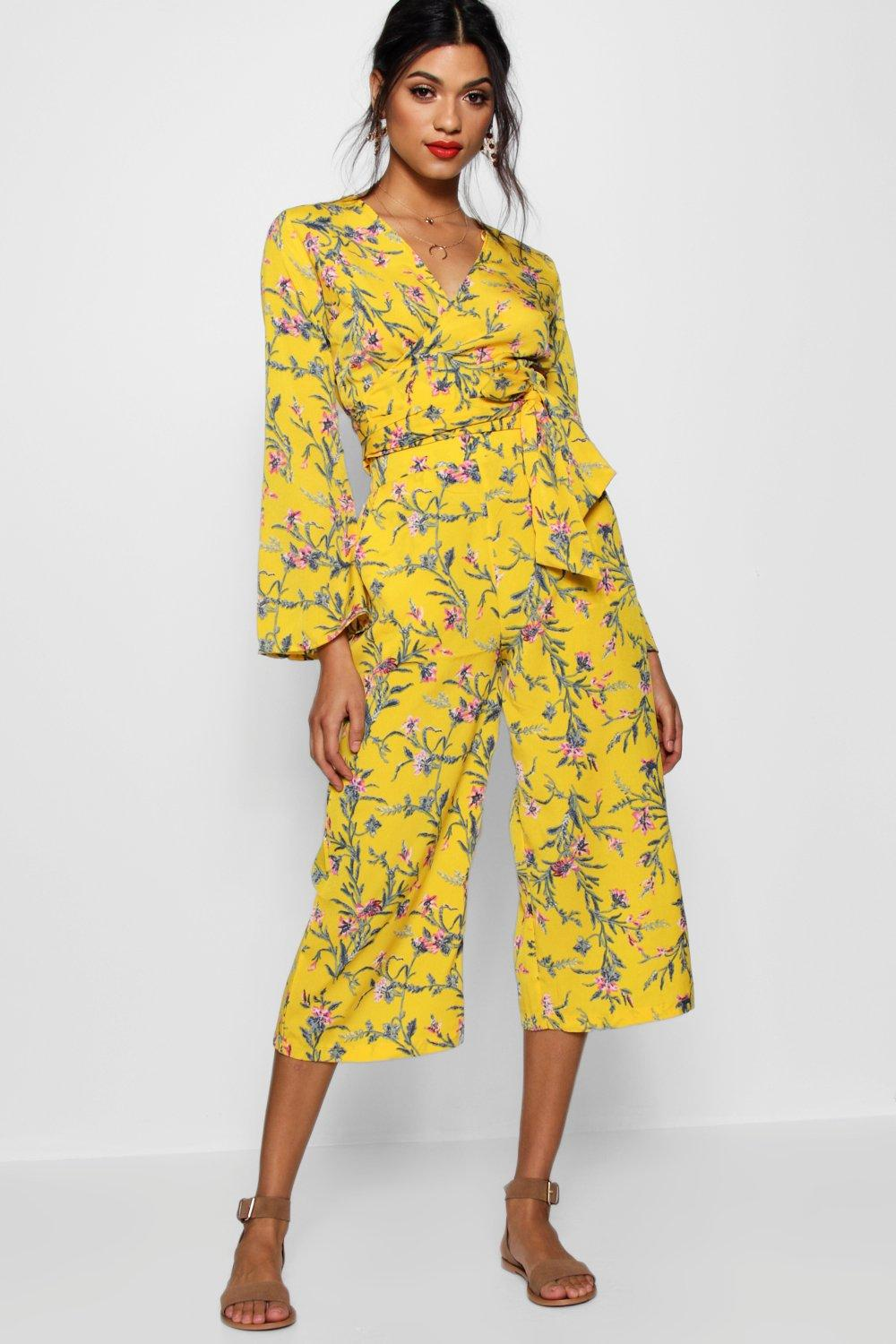 d8c7d17a92 Lyst - Boohoo Wendy Floral Tie Front Top And Culotte Co-ord in Yellow