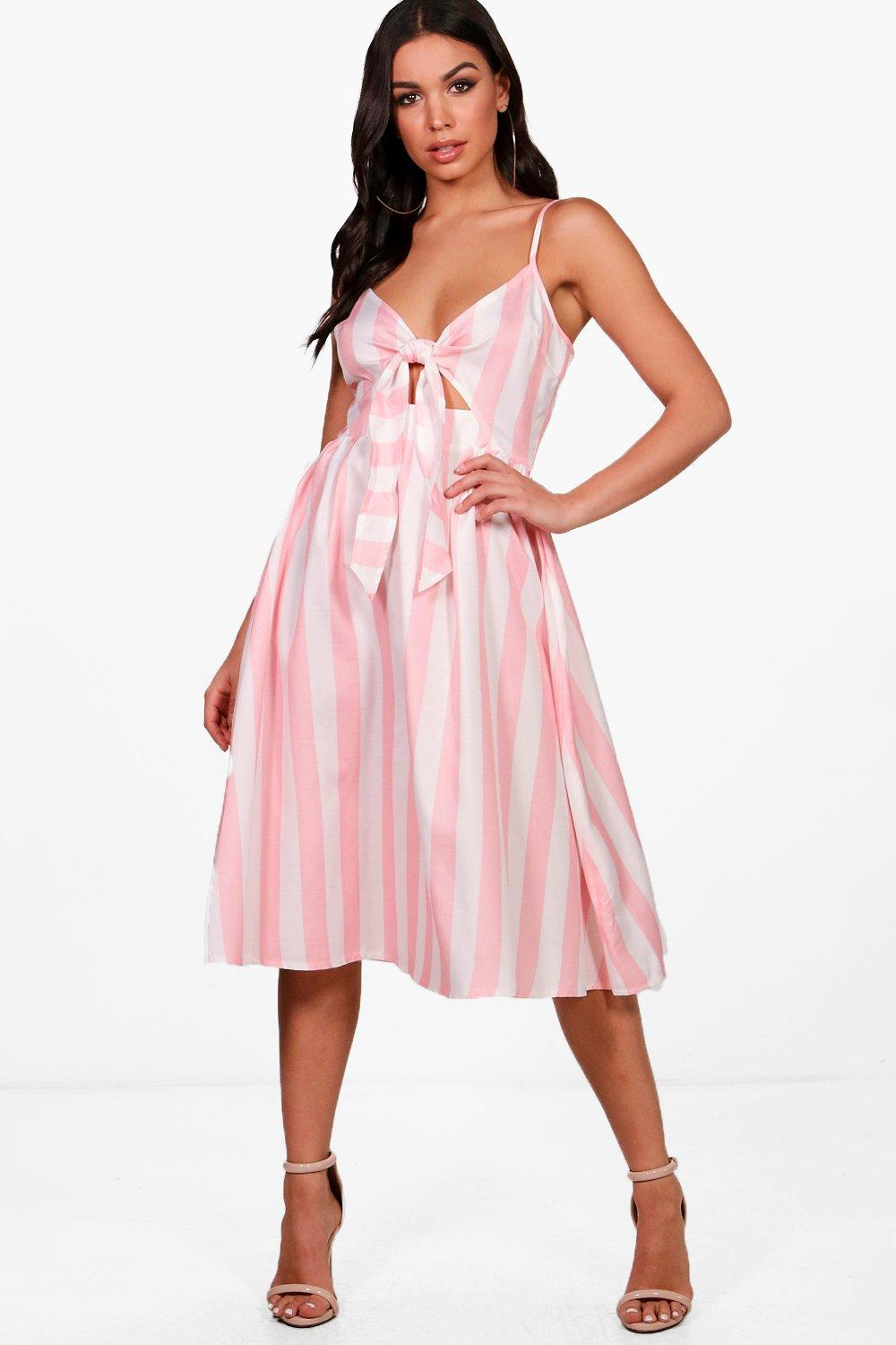 Gallery. Previously sold at  Boohoo · Women s Skater Dresses fe5378f91