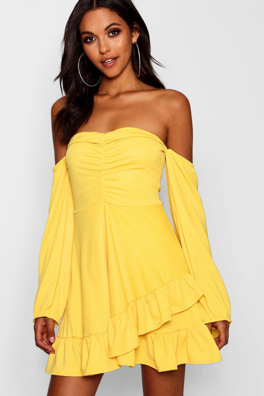 28b2cb56942 Boohoo Ruched Volume Sleeve Skater Dress in Yellow - Lyst