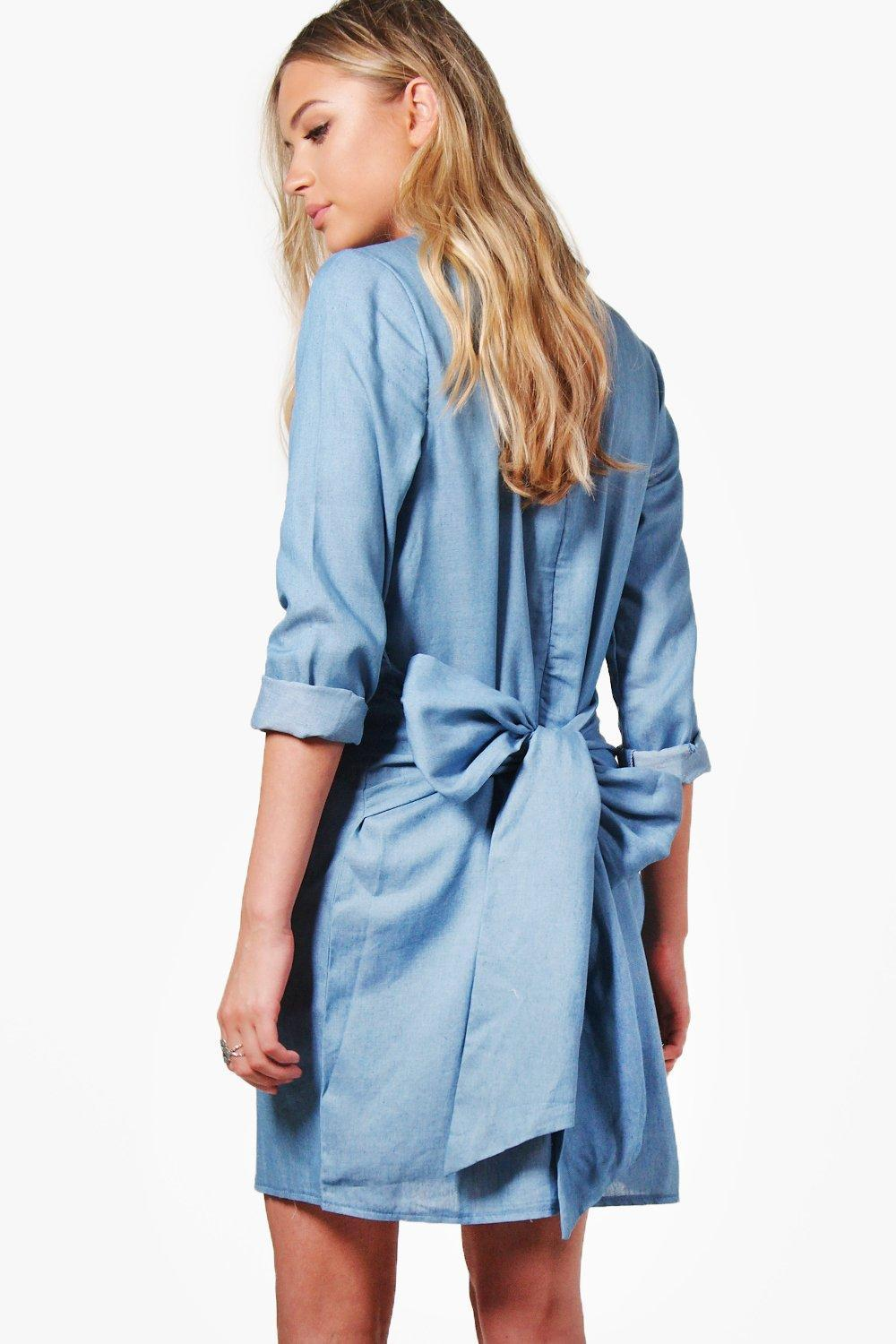 Boohoo rosie tie waist chambray denim dress in blue lyst for Chambray jeans