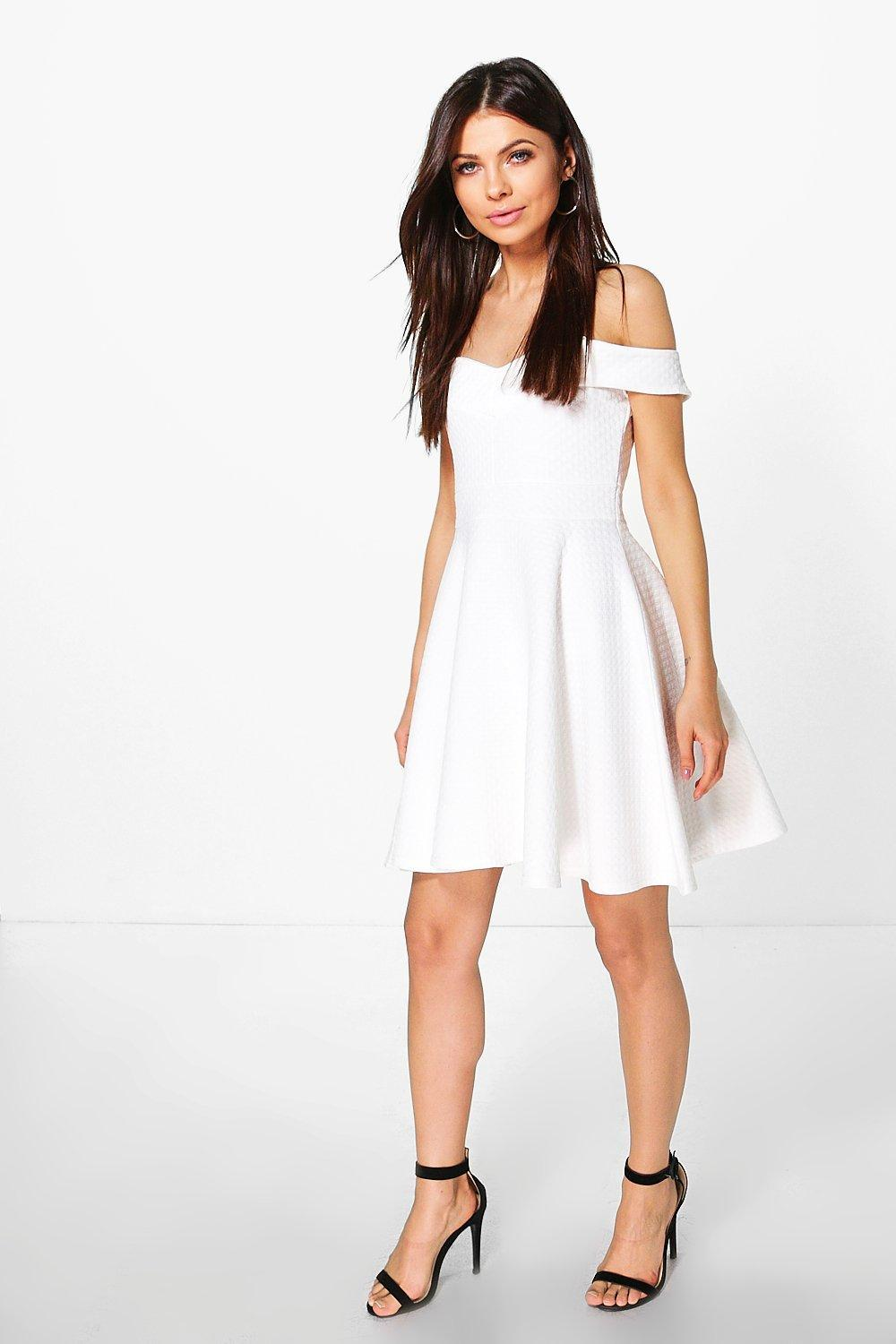 Find off the shoulder skater dress at ShopStyle. Shop the latest collection of off the shoulder skater dress from the most popular stores - all in one. Top colors For off the shoulder skater dress White off the shoulder skater dress Black off the shoulder skater dress.