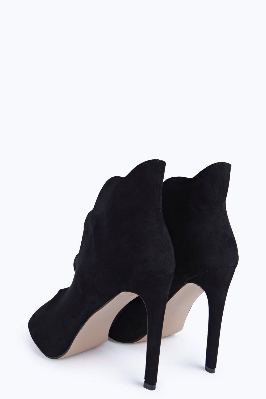 Ava Scallop Edge Shoe Boot