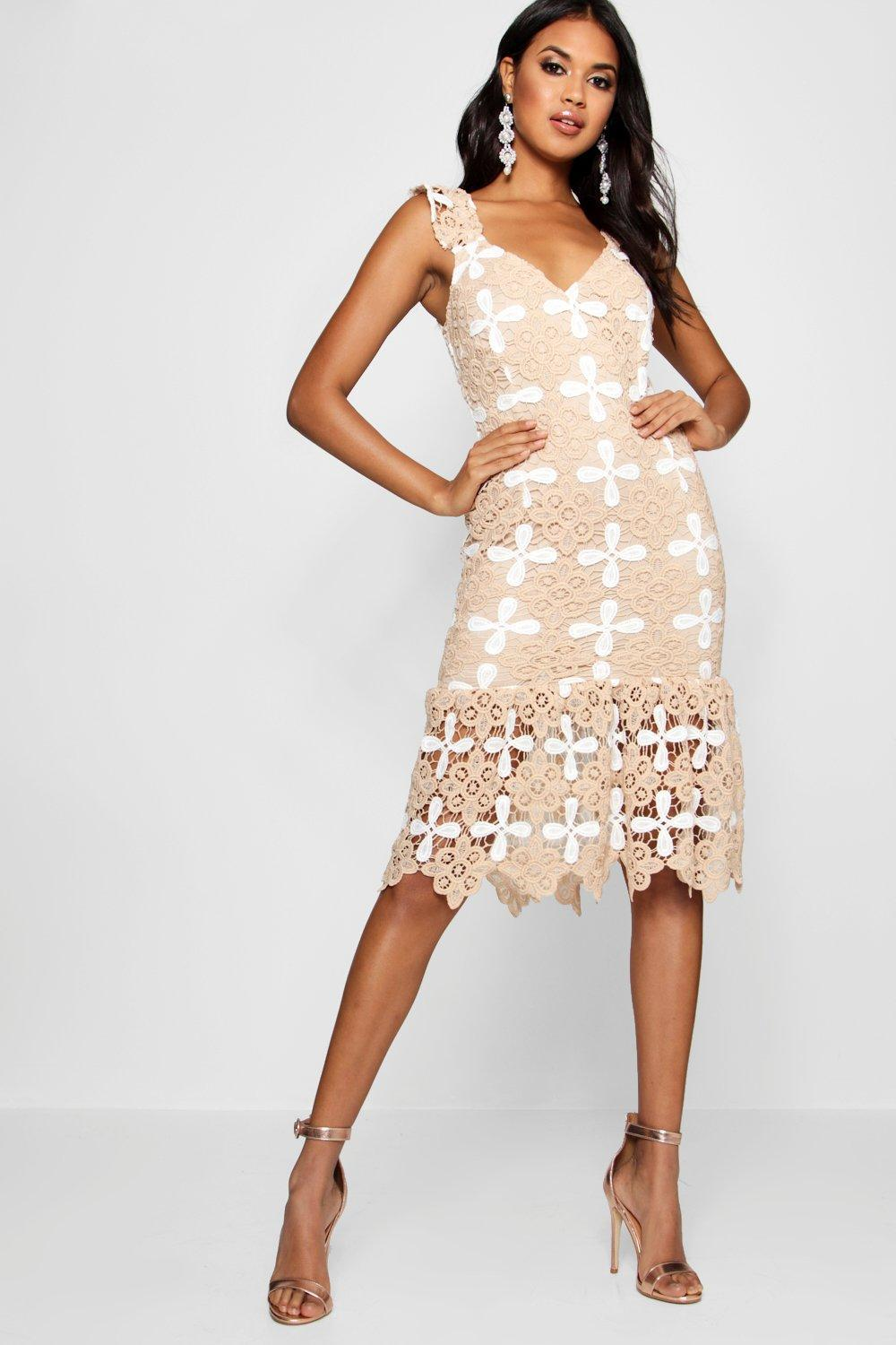c55685e4170f Boohoo Boutique Crochet Frill Hem Midi Dress in Natural - Lyst