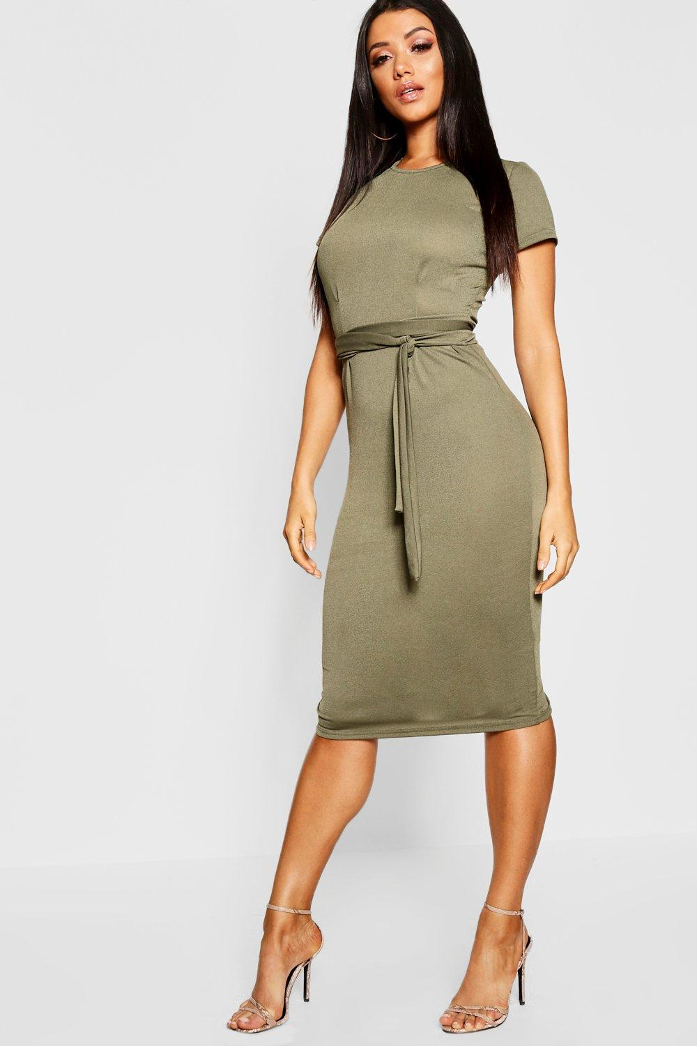 b9577a79334c Boohoo Pleat Front Belted Tailored Midi Dress in Green - Lyst