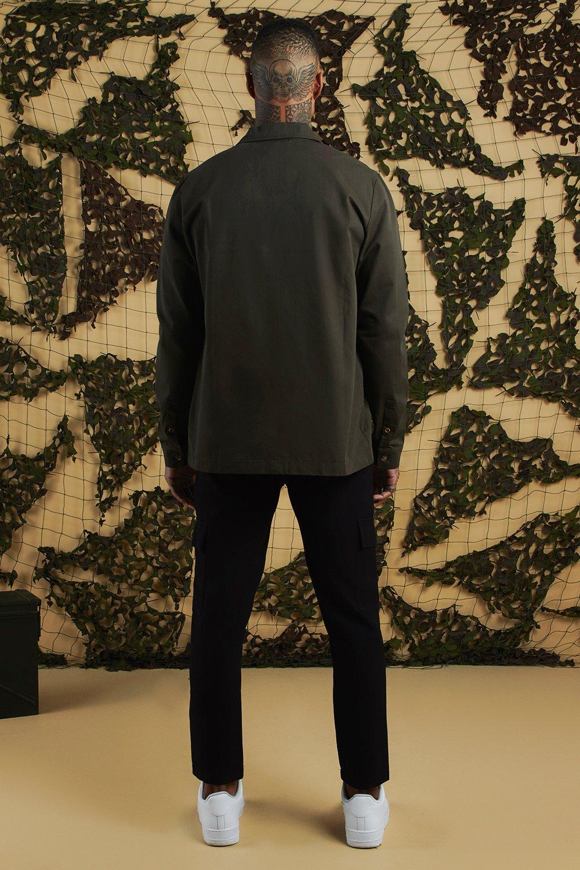 59e5bae2f442 BoohooMAN - Green Plain Utility Pocket Smart Jogger Trouser for Men - Lyst.  View fullscreen