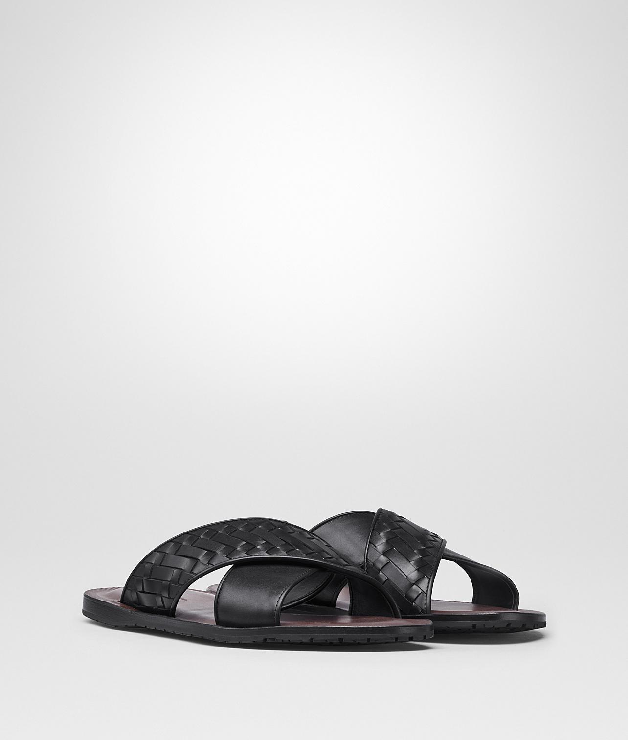 10506294172a Bottega Veneta - Black Nero Intrecciato Calf Sapa Crisscross Sandal for Men  - Lyst. View fullscreen