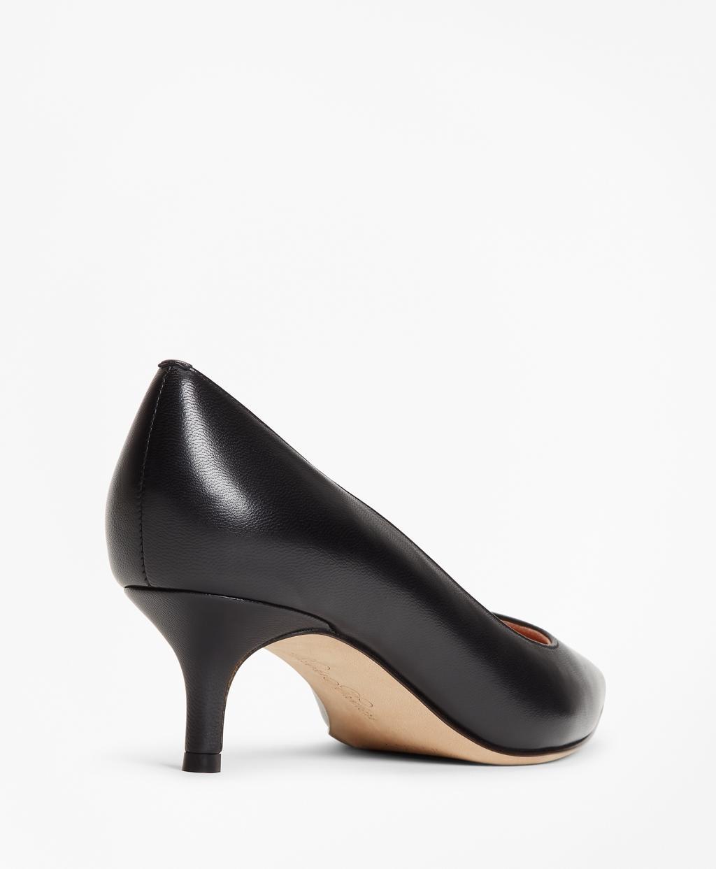 b8aaa0506ae Lyst - Brooks Brothers Leather Point-toe Kitten Heels in Black