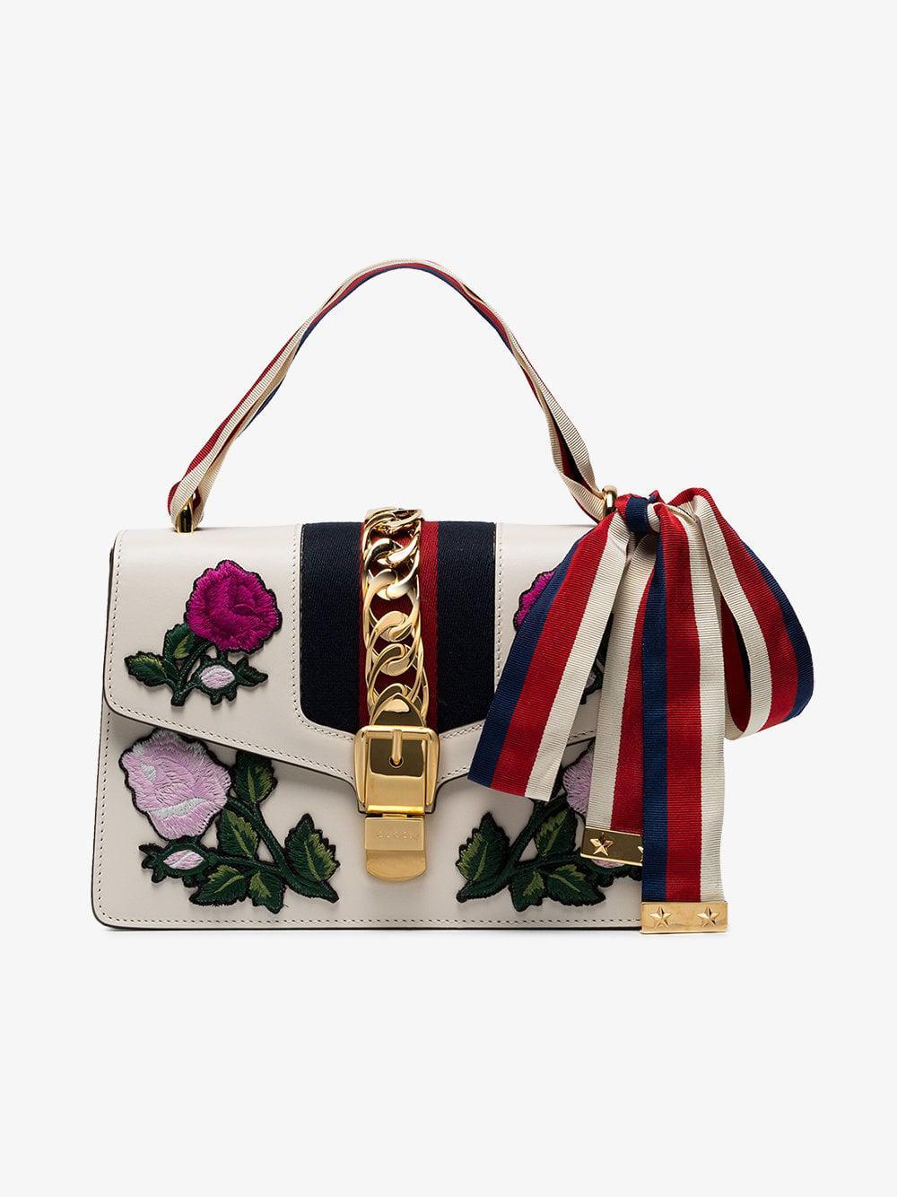 0667e9e3453e80 Gucci Sylvie Embroidered Small Shoulder Bag in White - Lyst