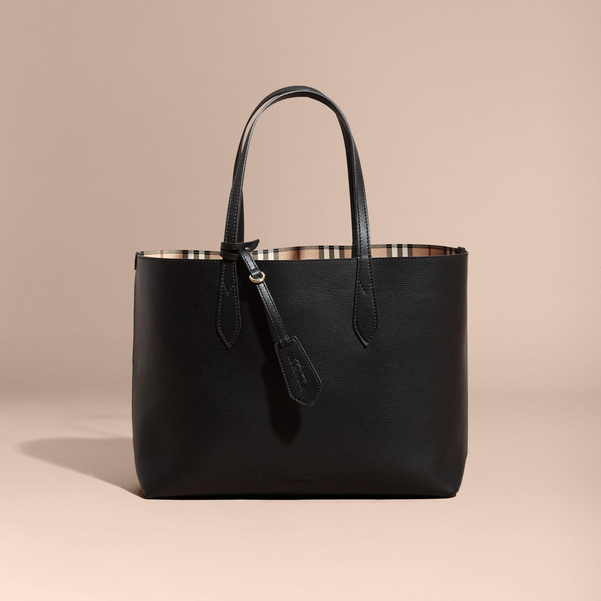 de003812508a Lyst - Burberry The Medium Reversible Tote In Haymarket Check And ...